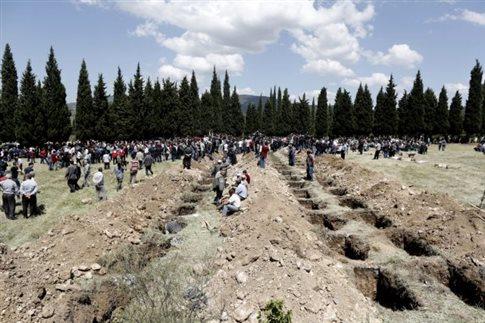 Αρνείται ευθύνη η εταιρεία του ορυχείου στη Σόμα, συνεχίζεται η ανάσυρση σορών