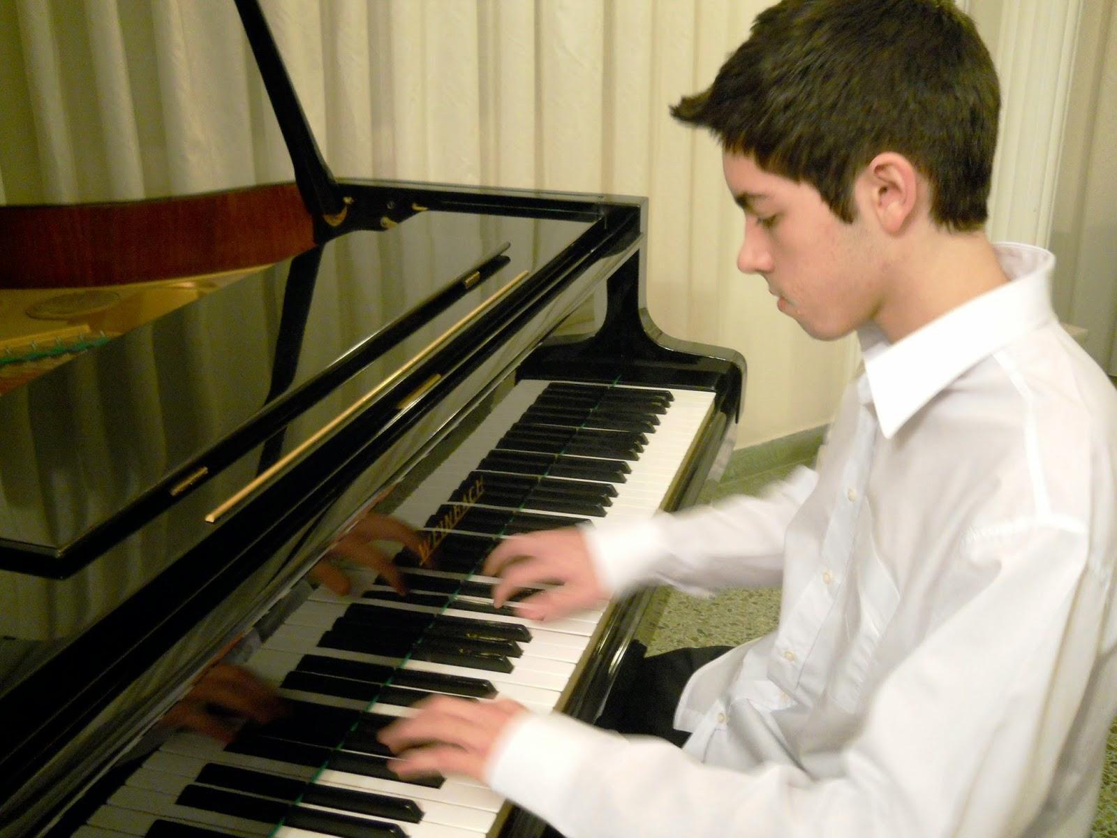 Ρεσιτάλ πιάνου για την Ιμβρο από έναν 17χρονο