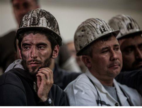 Ξεχειλίζει η οργή στη Σόμα, δακρυγόνα κατά διαδηλωτών