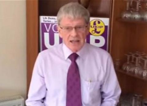 Υποψήφιος με το κόμμα του Φάρατζ θελει κρεμάλες για πολιτικούς