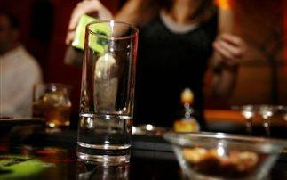 Ακόμη και μία ξέφρενη βραδιά με αλκοόλ βλάπτει την υγεία