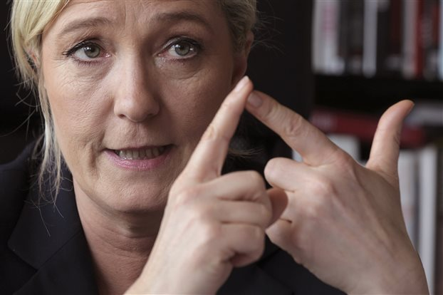 Le Monde: Χρονικό προαναγγελθείσας καταστροφής η άνοδος Λεπέν