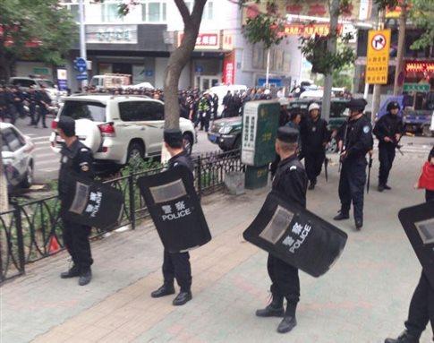 Πολύνεκρη έκρηξη στην κινεζική επαρχία Σιντζιάνγκ, τρομοκρατία βλέπουν οι αρχές