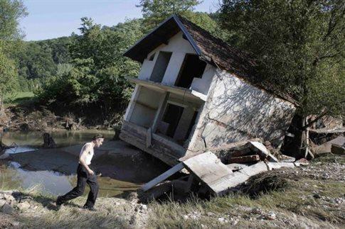 Κοντά στα 175 εκατ. ευρώ οι ζημιές από τις φονικές πλημμύρες στη Σερβία