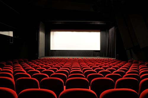 Λάρισα: Πήγε σινεμά και έφυγε με... 3.000 ευρώ