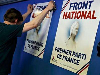 Guardian: Πολιτικός σεισμός στη Γαλλία - Άνοδος του νεοναζισμού στην Ελλάδα