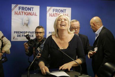 Διάλυση της Εθνοσυνέλευσης ζητά η Λεπέν μετά την πρωτιά στις κάλπες