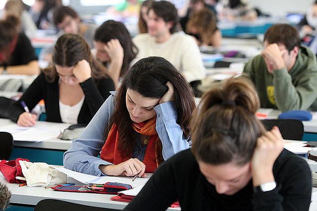Πανελλαδικές εξετάσεις 2014: Οι απαντήσεις στο μάθημα της Νεοελληνικής Γλώσσας