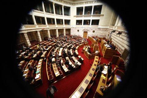 Έντονη κόντρα στη Βουλή για την ερμηνεία των εκλογικών αποτελεσμάτων