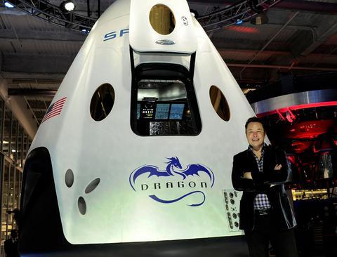 Dragon V2: Το πρώτο επανδρωμένο διαστημόπλοιο ιδιωτικής εταιρείας
