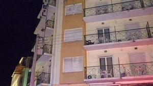 Φωτιά σε ξενοδοχείο στο κέντρο της Λάρισας