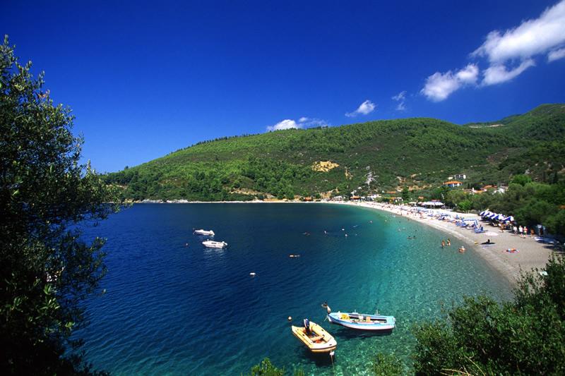 Δημοπρατήθηκαν χώροι αιγιαλού και παραλίας στη Σκόπελο
