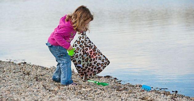 Καθάρισαν το λιμανάκι της Αγχιάλου με πρωτοβουλία του Φιλοπρόοδου Συλλόγου