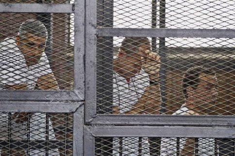 Σε επταετή φυλάκιση καταδίκασε η Αίγυπτος δημοσιογράφους του Al Jazeera