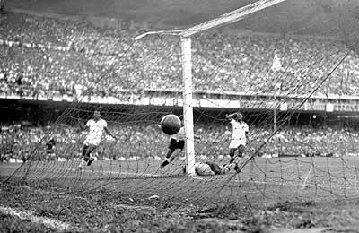 Γρηγόρης Καρταπάνης: Το Παγκόσμιο Κύπελλο στη Βραζιλία το 1950 (Μέρος β')
