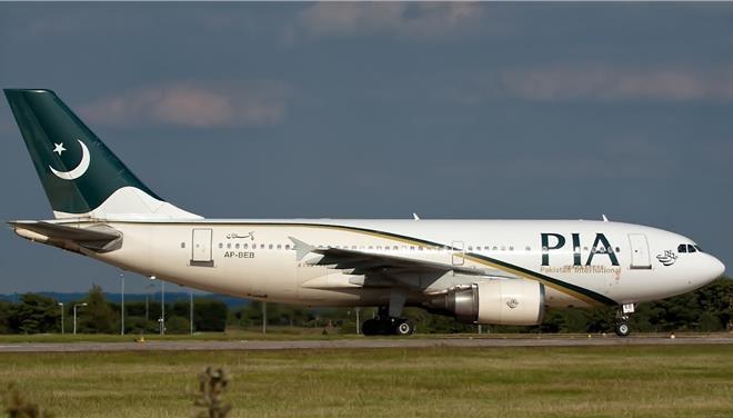 Τρόμος στο Πακιστάν: Ανοιξαν πυρ κατά αεροσκάφους την ώρα της προσγείωσης