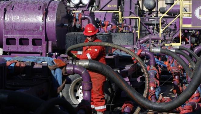 Wall Street Journal: Οι ΗΠΑ δίνουν άδεια για εξαγωγές ακατέργαστου πετρελαίου