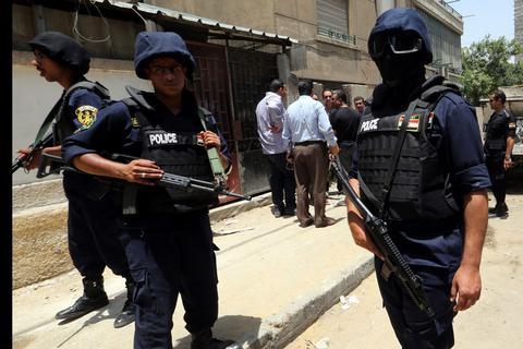 Εκρηξη 4 βομβών στο μετρό του Καϊρου