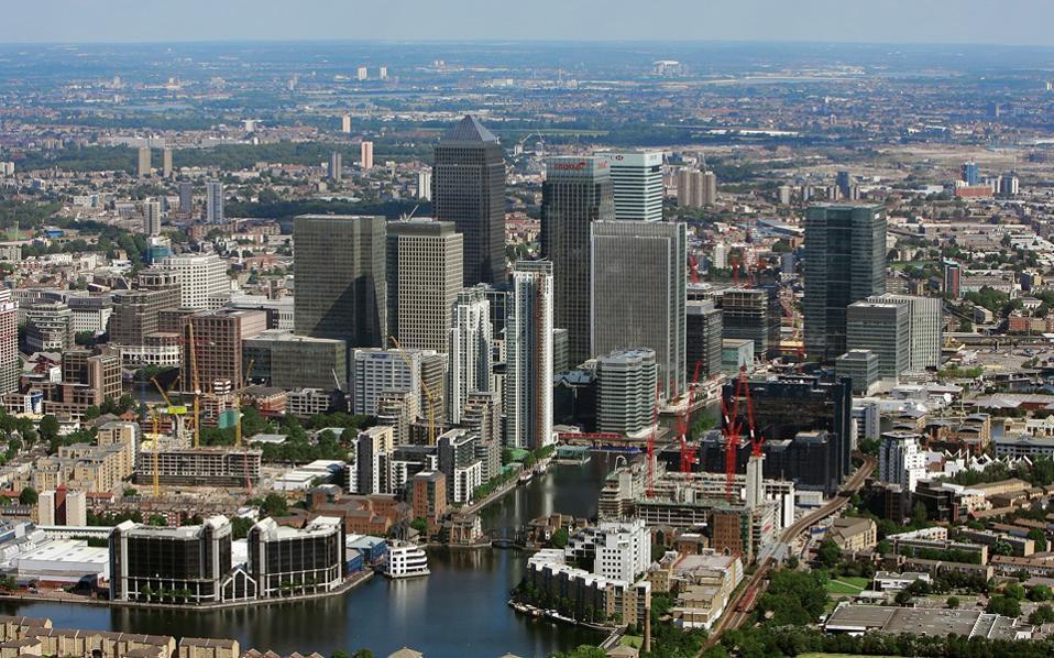 Η Βρετανία έγινε η πρώτη δυτική χώρα που δανείστηκε με ισλαμικό ομόλογο