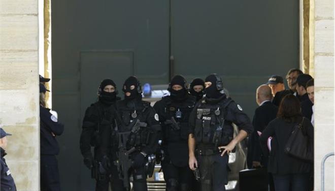 Γαλλικό δικαστήριο ενέκρινε την έκδοση του υπόπτου για την επίθεση στο Εβραϊκό Μουσείο στις Βρυξέλλες
