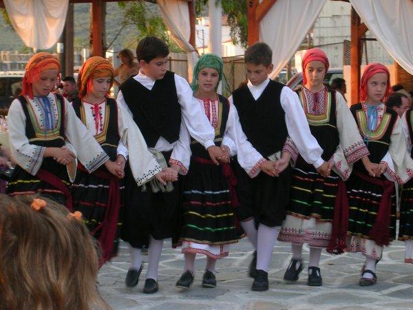 Με επιτυχία πραγματοποιήθηκαν χορευτικές εκδηλώσεις από τον Ομιλο Ερευνών Πηλίου