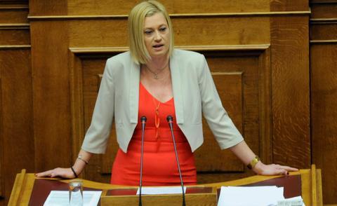 Σχέδιο αποπομπής της από τη Βουλή καταγγέλλει η Ραχήλ Μακρή...