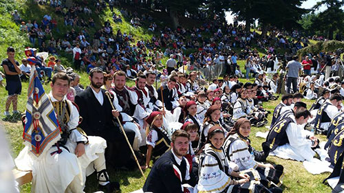 Ο χορός των Σαρακατσαναίων ~  Τιμήθηκε και φέτος η παράδοση