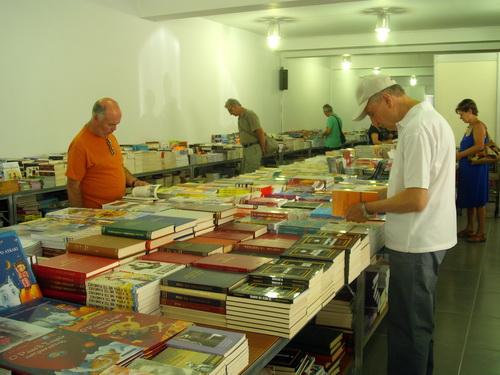 Χιλιάδες βιβλία σε προσιτές τιμές