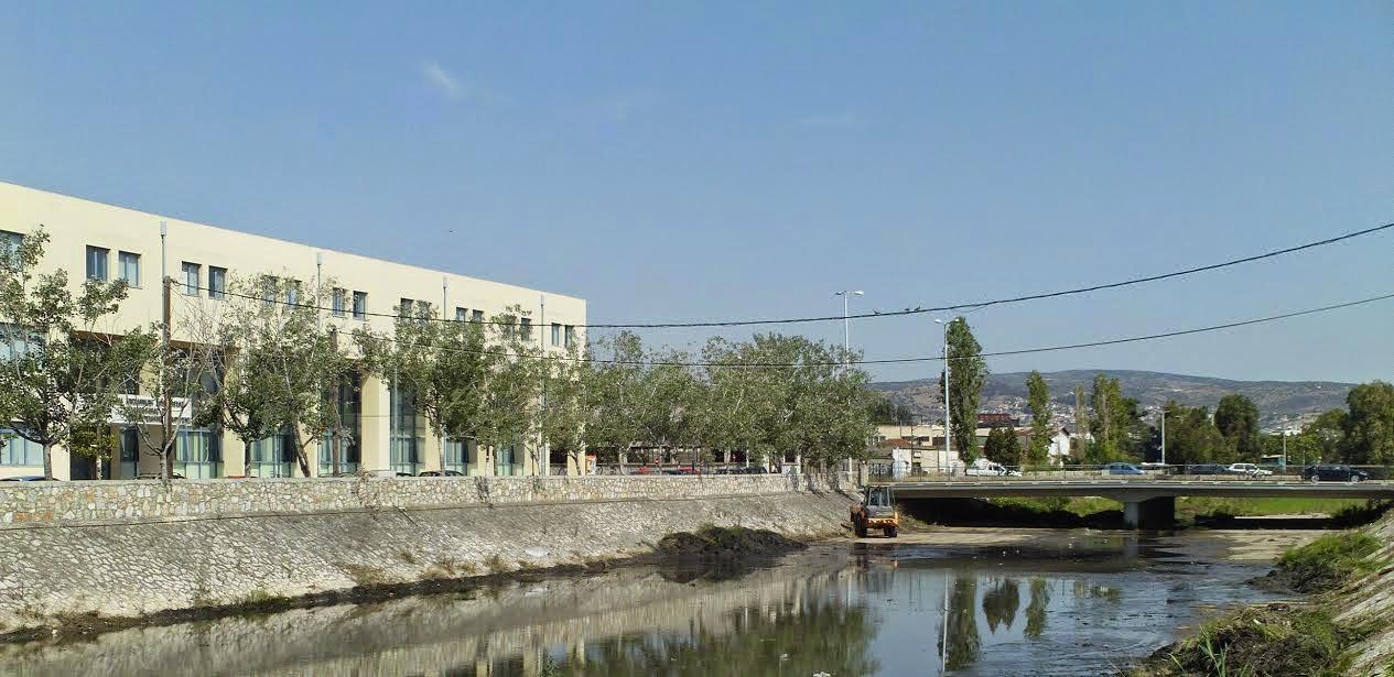Αντικείμενο σύσκεψης τα έργα στο χείμαρρο Κραυσίδωνα στη θέση διέλευσης της γραμμής του ΟΣΕ