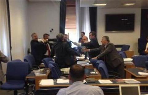 Μπουνιές στην τουρκική Επιτροπή Προϋπολογισμού