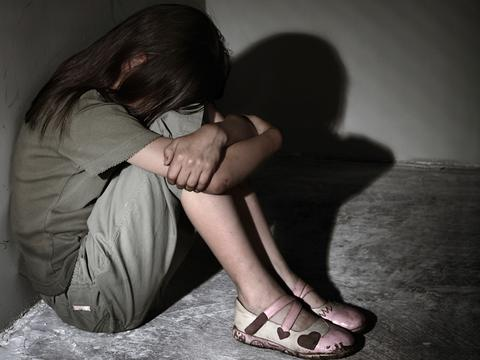 NSPCC: 1 στα 20 παιδιά στη Βρετανία έχει κακοποιηθεί σεξουαλικά