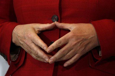 Η Μέρκελ φέρεται να σκέφτεται «έξοδο» πριν τελειώσει η θητεία της