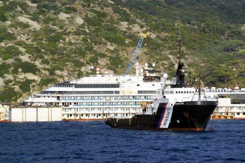 Δύο χρόνια μετά, το Costa Concordia επιπλέει και πάλι