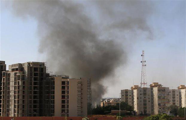 Λιβύη: Εκρήξεις στο αεροδρόμιο της Τρίπολης από παραστρατιωτικούς