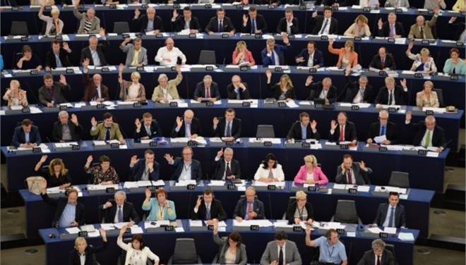 Οργή για τα ρατσιστικά σχόλια πολωνού ευρωβουλευτή περί «νέγρων της Ευρώπης»