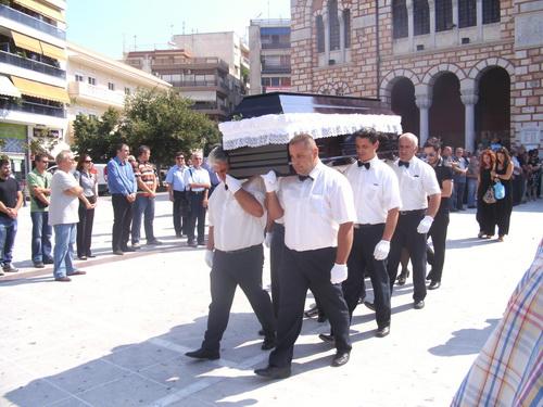 Θρήνος στην κηδεία του 53χρονου Γιάννη Βάτσα που «έσβησε» μετά από εργατικό ατύχημα στην ΑΓΕΤ
