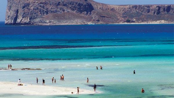 Τα 10 ελληνικά νησιά που αναμένεται να «βουλιάξουν» από τουρίστες