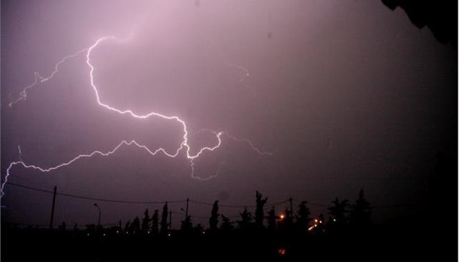 Ισχυρές καταιγίδες και χαλάζι στην Κεντρική Μακεδονία