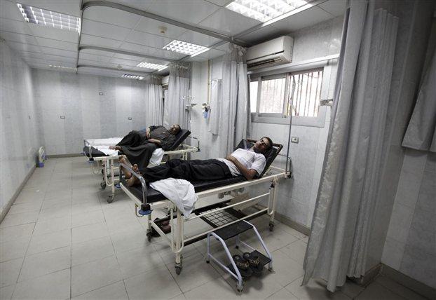 «Κάνουν το σταυρό τους» να μην αρρωστήσουν οι ανασφάλιστοι που πληρώνουν και την ασπιρίνη