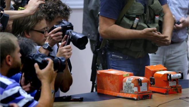 Μια «ισχυρή έκρηξη» από πύραυλο προκάλεσε τη συντριβή του Boeing, «έδειξαν» τα μαύρα κουτιά