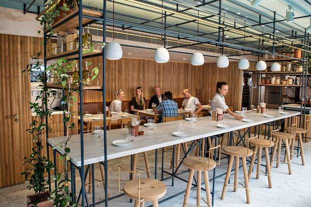 Aυτά είναι τα κάστρα της ελληνικής κουζίνας στο Λονδίνο [εικόνες]