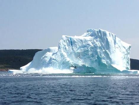 Κατάρρευση παγόβουνου στον Καναδά -Μία ρομαντική βόλτα τουριστών έγινε εφιάλτης σε δευτερόλεπτα [εικόνες & βίντεο]