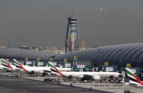 Διακόπτει η Emirates τις πτήσεις προς Γουινέα λόγω Έμπολα