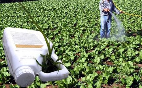 Απόσυρση ληγμένων φυτοφαρμάκων από τη διοίκηση του Αγροτικού Συνεταιρισμού Βόλου