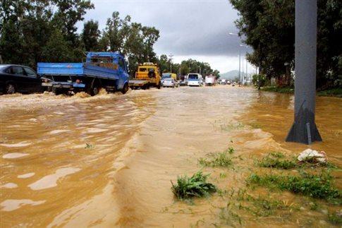 Πλημμύρισαν σπίτια στην Κοζάνη από ισχυρή καταιγίδα