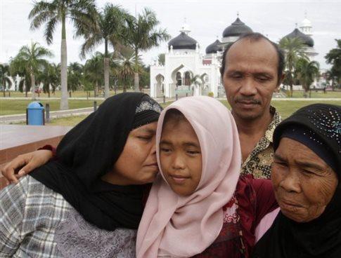 Ινδονησία: Βρήκαν ζωντανή την κόρη τους δέκα χρόνια μετά το τσουνάμι