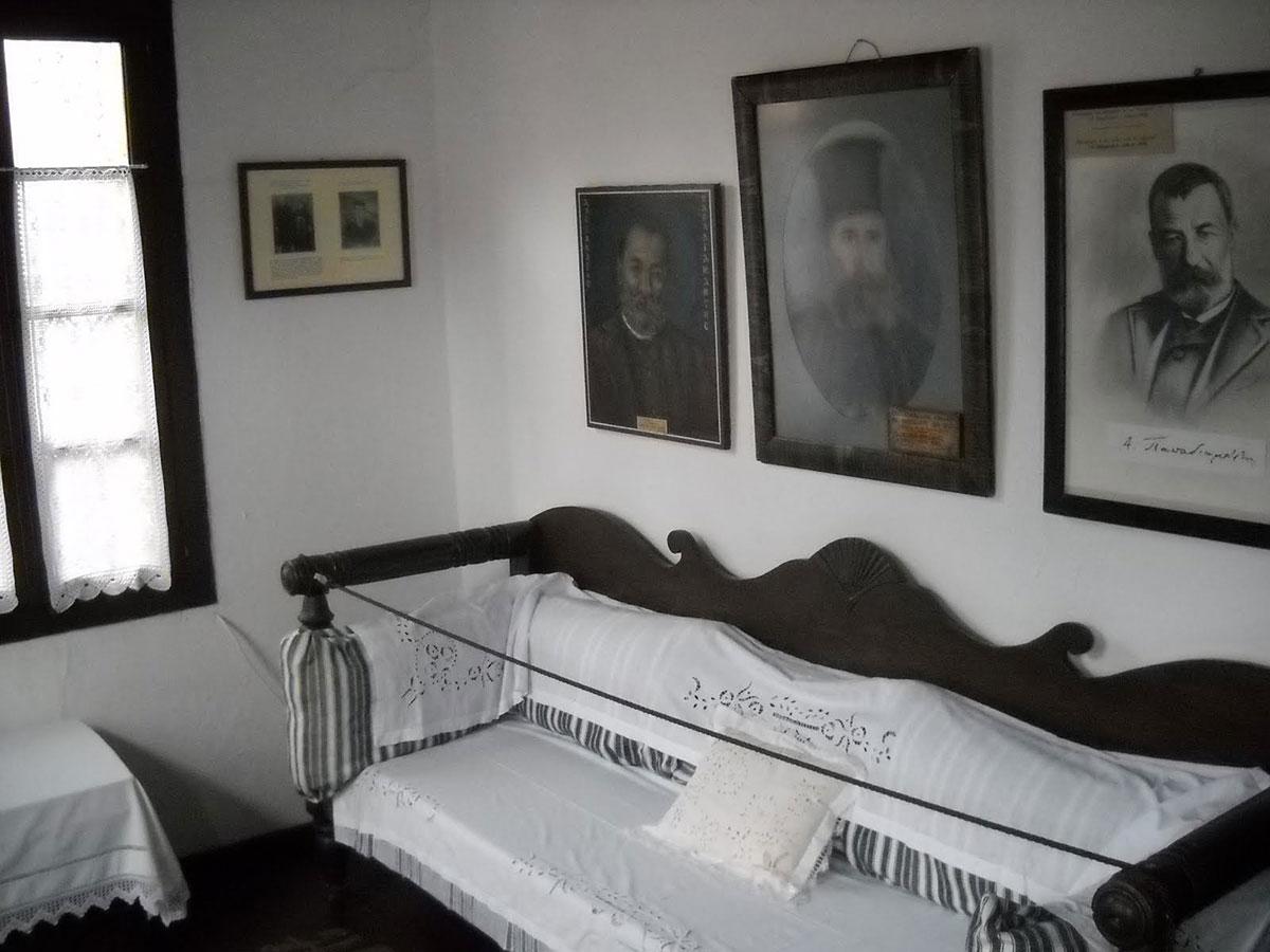 Αυξάνονται οι επισκέπτες στο σπίτι - μουσείο του Παπαδιαμάντη