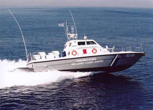 Ακυβέρνητο σκάφος στη Σκόπελο