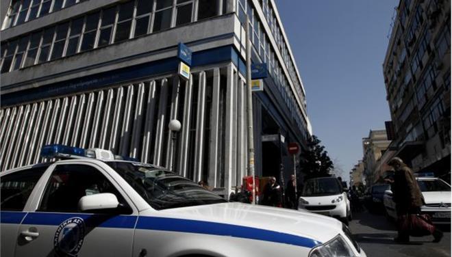 Στον εισαγγελέα ο ένοπλος που εισέβαλε στα γραφεία του Οργανισμού Κοινοτικών Ενισχύσεων στην Κοζάνη