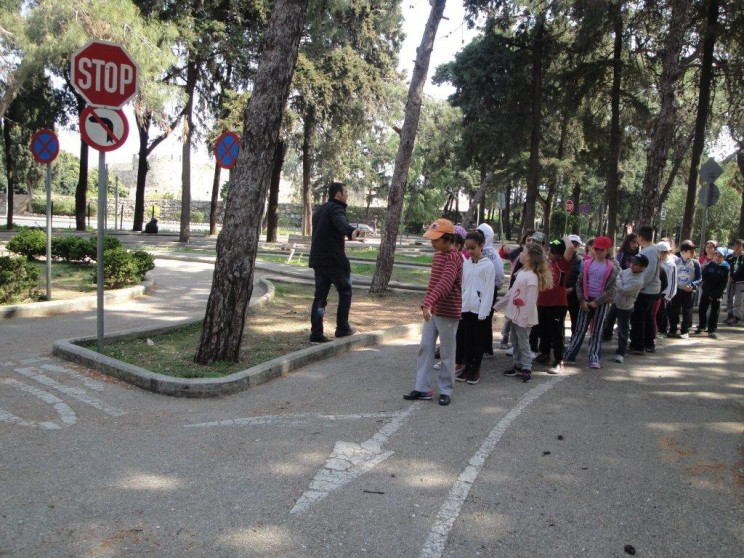 Μαθήματα κυκλοφοριακής αγωγής σε μαθητές του Δημοτικού